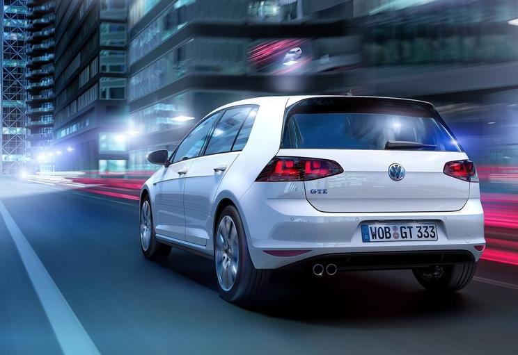 04VRTwKB Volkswagen Golf GTE   elektryczne GTI?