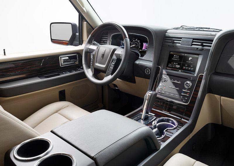 Lincoln Navigator 2015 800x600 wallpaper 0d Technologia EcoBoost w Lincolnie Navigatorze!