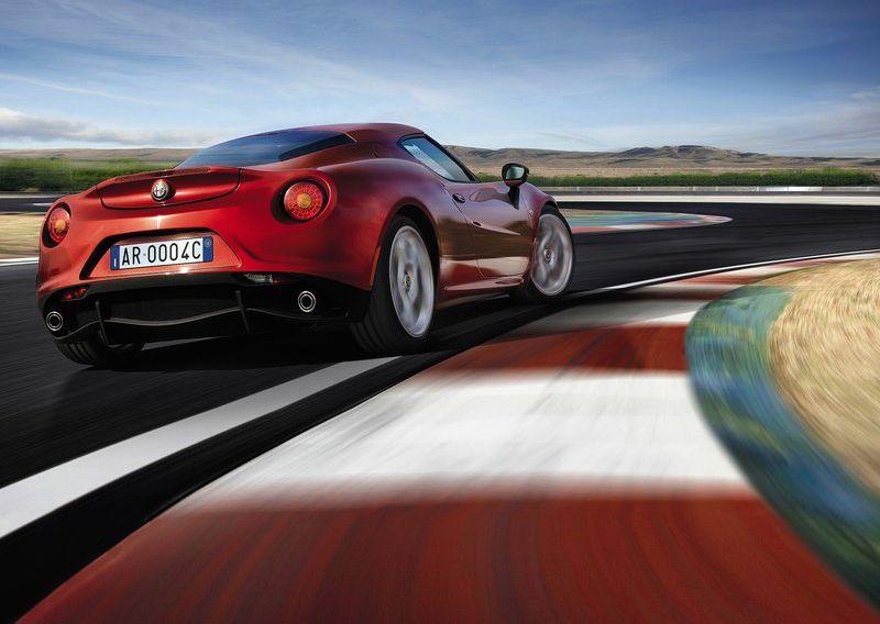 Alfa_Romeo-4C_2014_800x600_wallpaper_1f