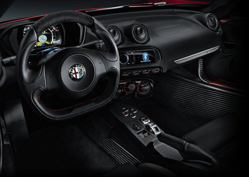 Alfa_Romeo-4C_2014_800x600_wallpaper_3c