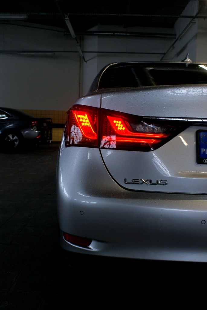 DSC48354 685x1024 Test: Lexus GS 300 H