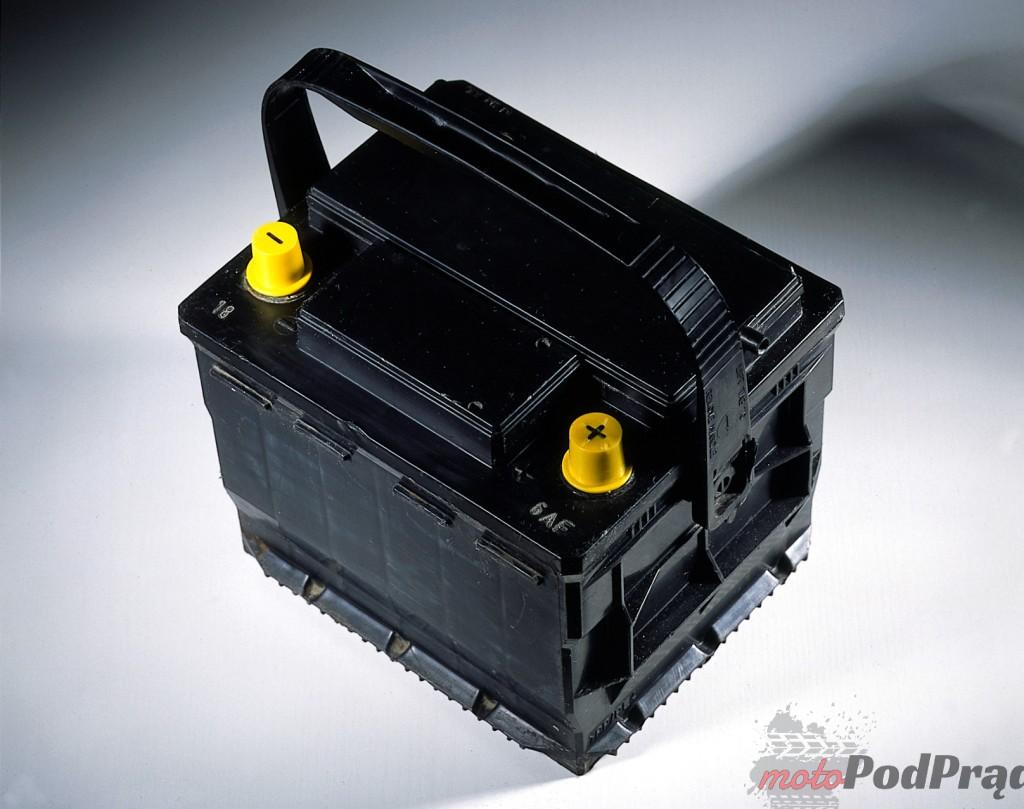 akumulator samochodowy 1 1024x809