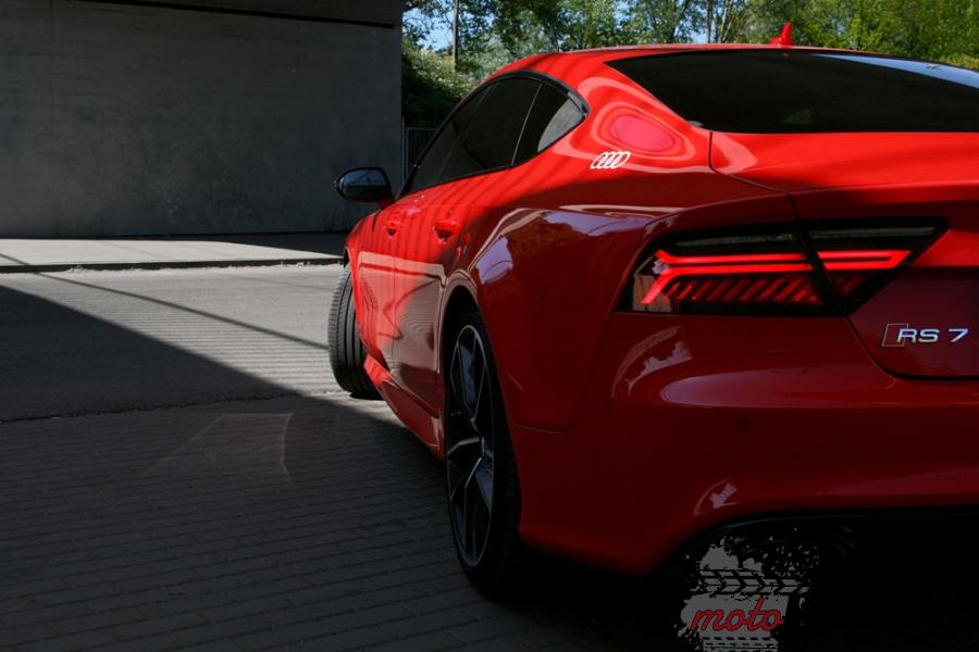 24a Test: Audi RS7 Performance   osiem i pół godziny, pięćset dziesięć minut