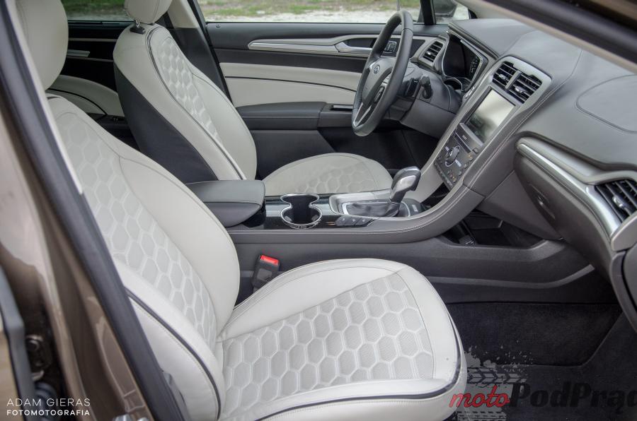 Vignale 30 Test: Ford Mondeo Vignale 2.0 TDCi 210 KM   premium?