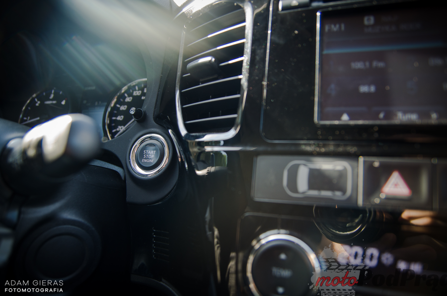 Mitsubishi Outla 2 Test: Mitsubishi Outlander 2.2 DID Intense Plus. Chcesz SUV a? No to masz!