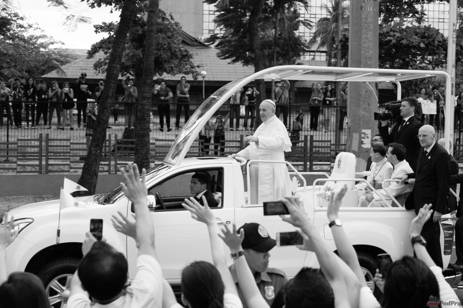 Pope Francis in Popemobile in Philippines 2015   2 e1469715959311 Papież wybrał Golfa