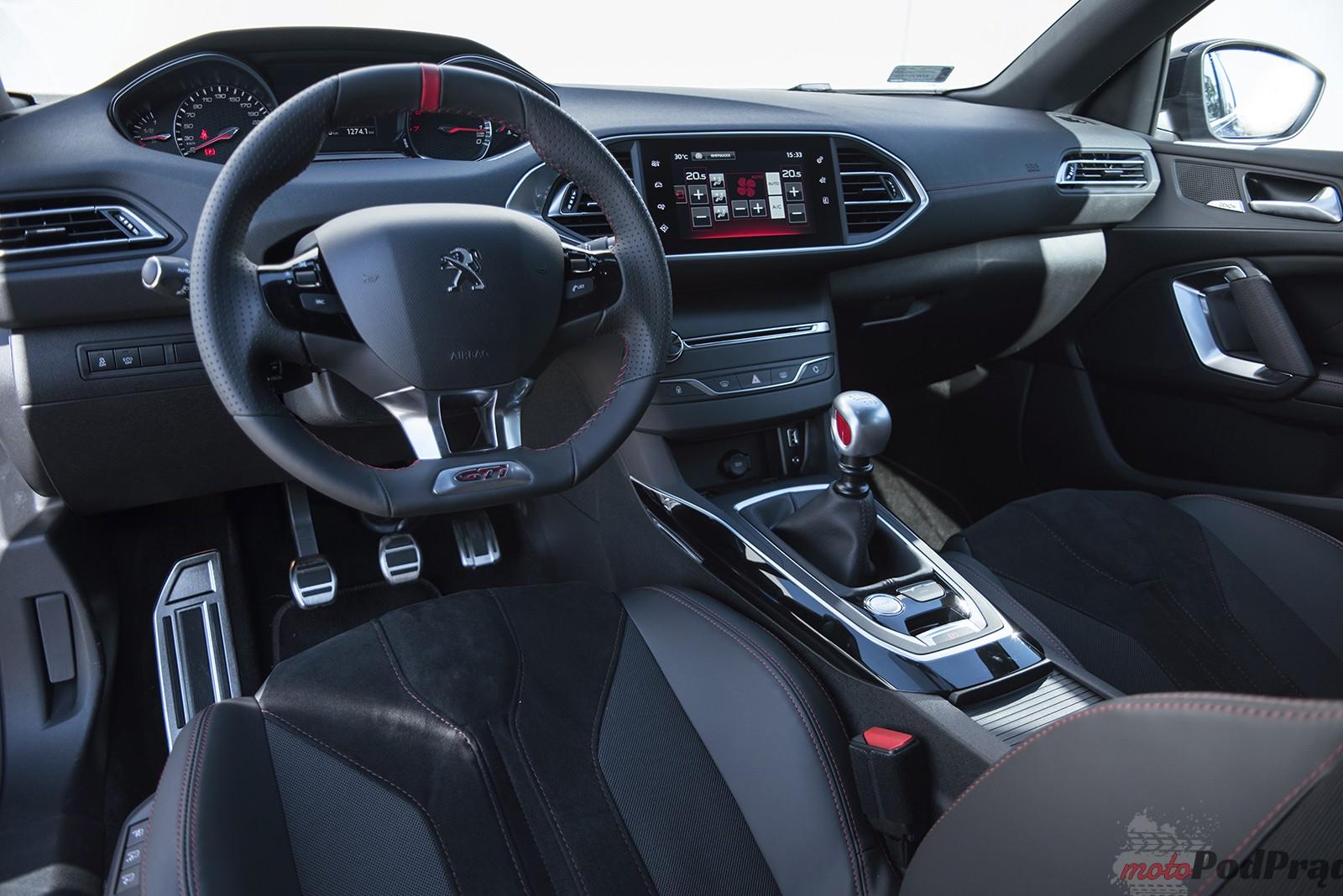 Peugeot 308 GTi 14 Test: Peugeot 308 GTi   potrafi przycisnąć