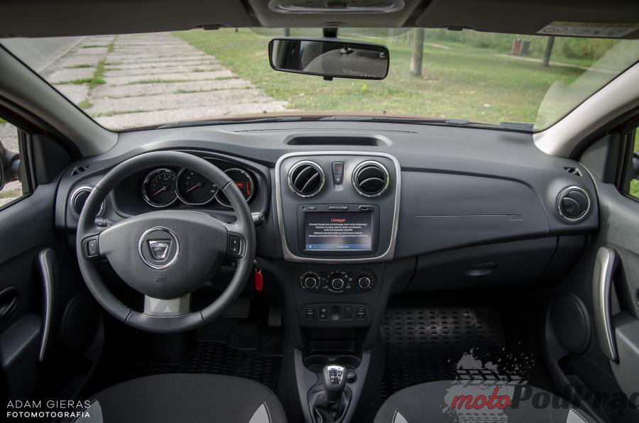 Sandero Stepway 16 Porównanie: Dacia Logan MCV TCe 90 LPG kontra Dacia Sandero Stepway TCe 90   którą wybrać?