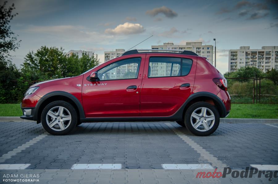 Sandero Stepway 8 Porównanie: Dacia Logan MCV TCe 90 LPG kontra Dacia Sandero Stepway TCe 90   którą wybrać?