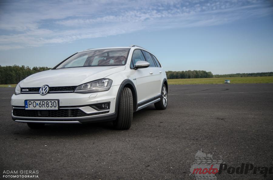 VW Golf 8 Test: Volkswagen Golf Alltrack 1.8 TSI 4MOTION   zadowoli niejednego kierowcę