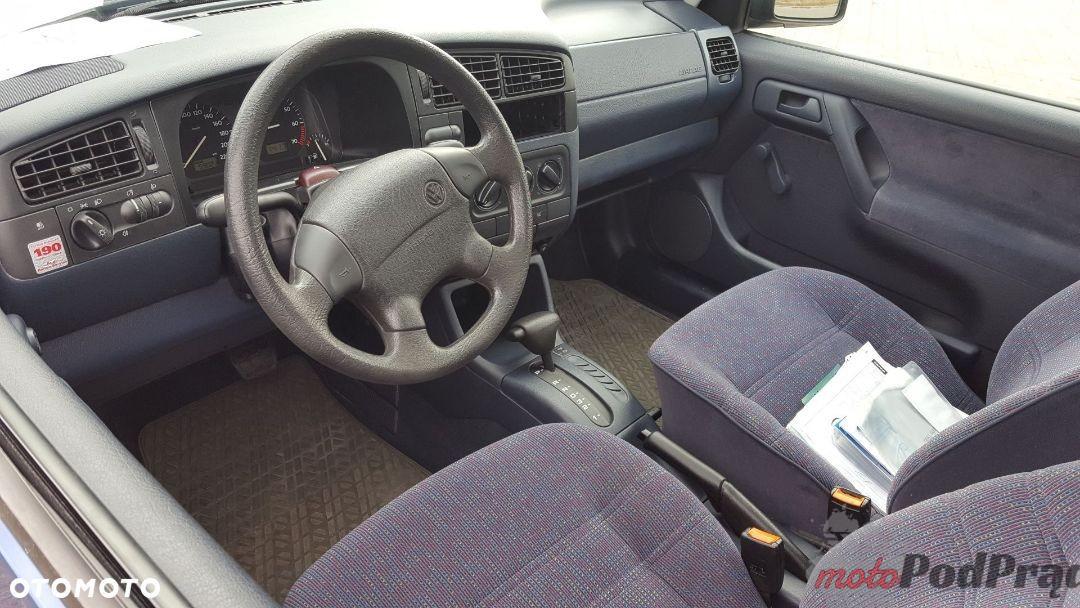 840126753 4 1080x720 Znalezione: VW Golf III za 15 500