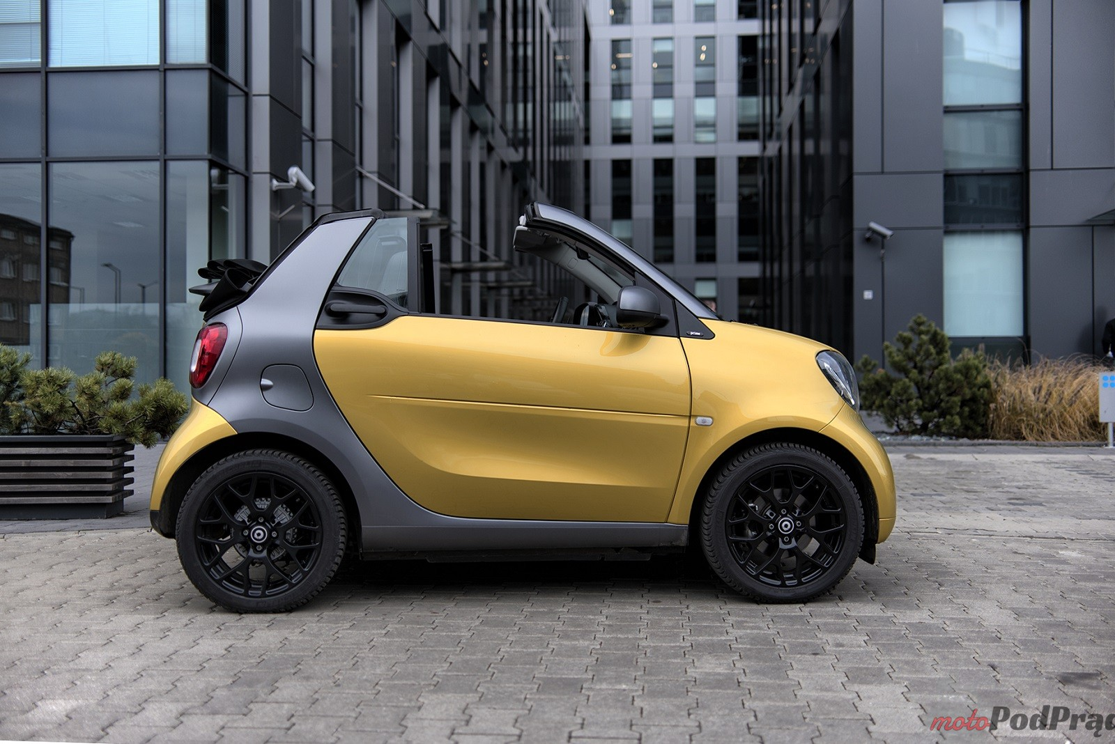 Smart ForTwo Cabrio 16 Test: Smart ForTwo Cabrio   zaskakuje na każdym kroku