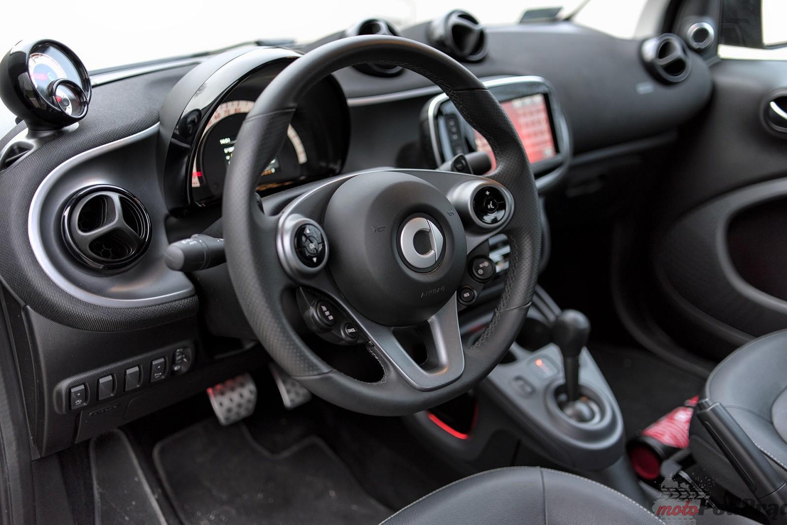 Smart ForTwo Cabrio 18 Test: Smart ForTwo Cabrio   zaskakuje na każdym kroku
