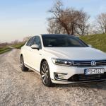 passat gte półprofil 150x150 Test: Volkswagen Passat GTE. Kwestie wizerunkowe.