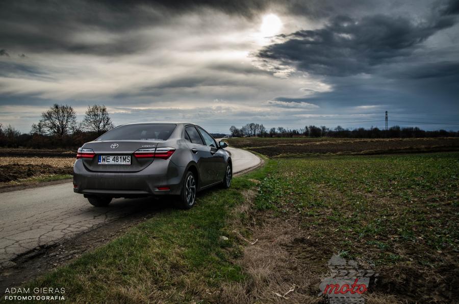 Toyota Corolla 2 Test: Toyota Corolla 1.6 Valvematic 132 KM Prestige   król sedanów?