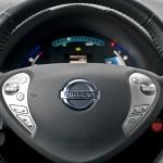 nissan leaf kierownica 150x150 Test: Nissan Leaf   recepta na smog?