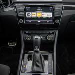 Superb 16 150x150 Test: Škoda Superb 2.0 TSI 280KM Sport Line   turbo pocisk łamiący schematy