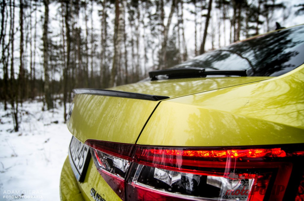 Superb 52 1024x678 Test: Škoda Superb 2.0 TSI 280KM Sport Line   turbo pocisk łamiący schematy
