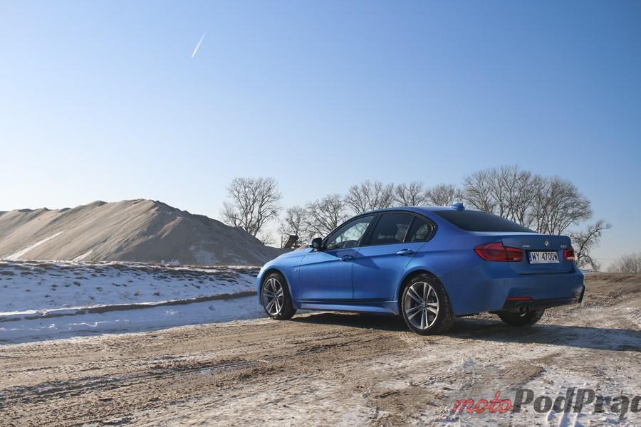 bmw 3 tył Test: BMW 330xi. Nie z wieszaka.