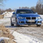bmw 330 przód teren 150x150 Test: BMW 330xi. Nie z wieszaka.