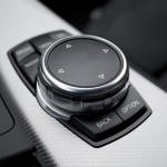 bmw 330 wnętrze 150x150 Test: BMW 330xi. Nie z wieszaka.