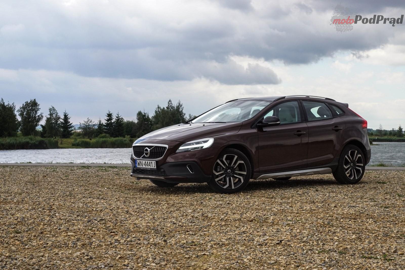 Volvo V40 CC 2 Test: Volvo V40 T5 AWD Cross Country – mocny, uterenowiony hatchback