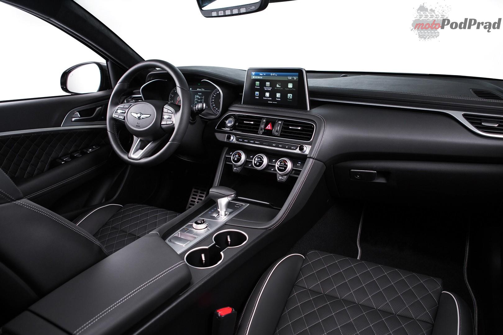 G70 wnetrze Genesis G70 rzuca rękawicę klasie premium