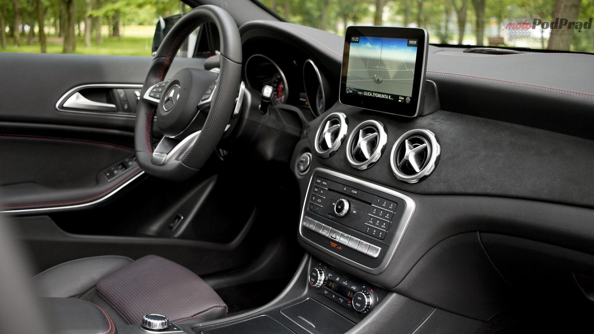 mercedes gla wnętrze Test: Mercedes GLA 220 4Matic   pierwsze wrażenie