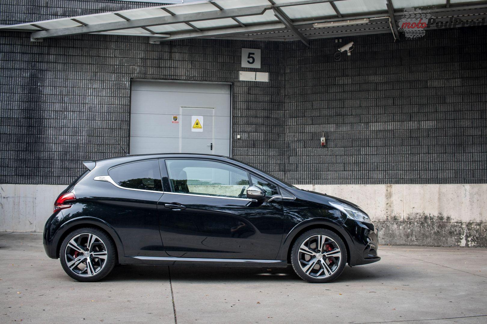 Peugeot 3 Test: Peugeot 208 GTi   miejski szatan