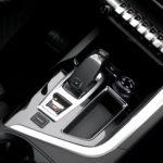 peugeot 5008 biegi panel 150x150 Test: Peugeot 5008 Allure 1.6 THP   indywidualista na przekór...