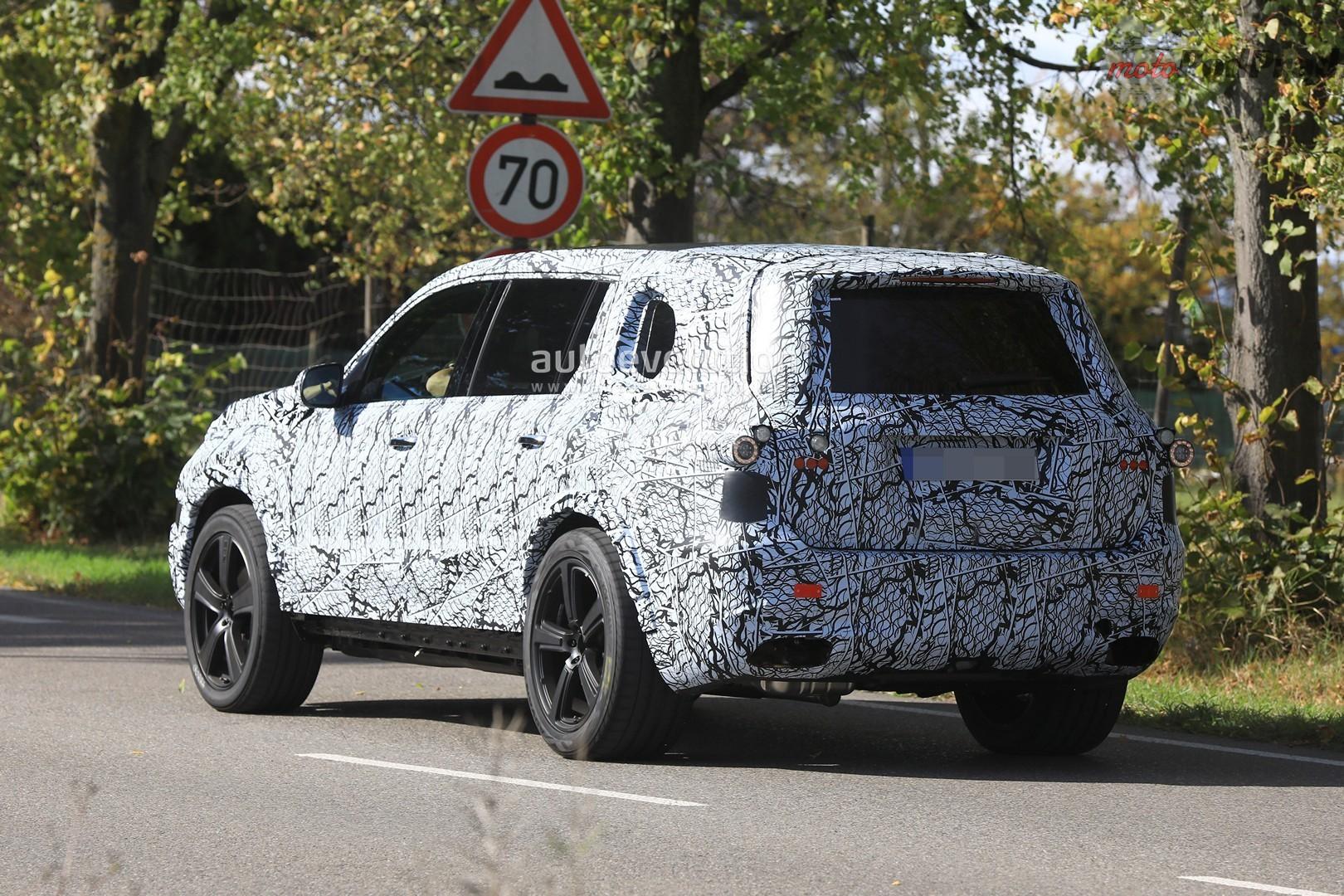 2019 mercedes benz gls stands out in mercedes benz suv convoy 11 Nowy Mercedes GLS nadchodzi