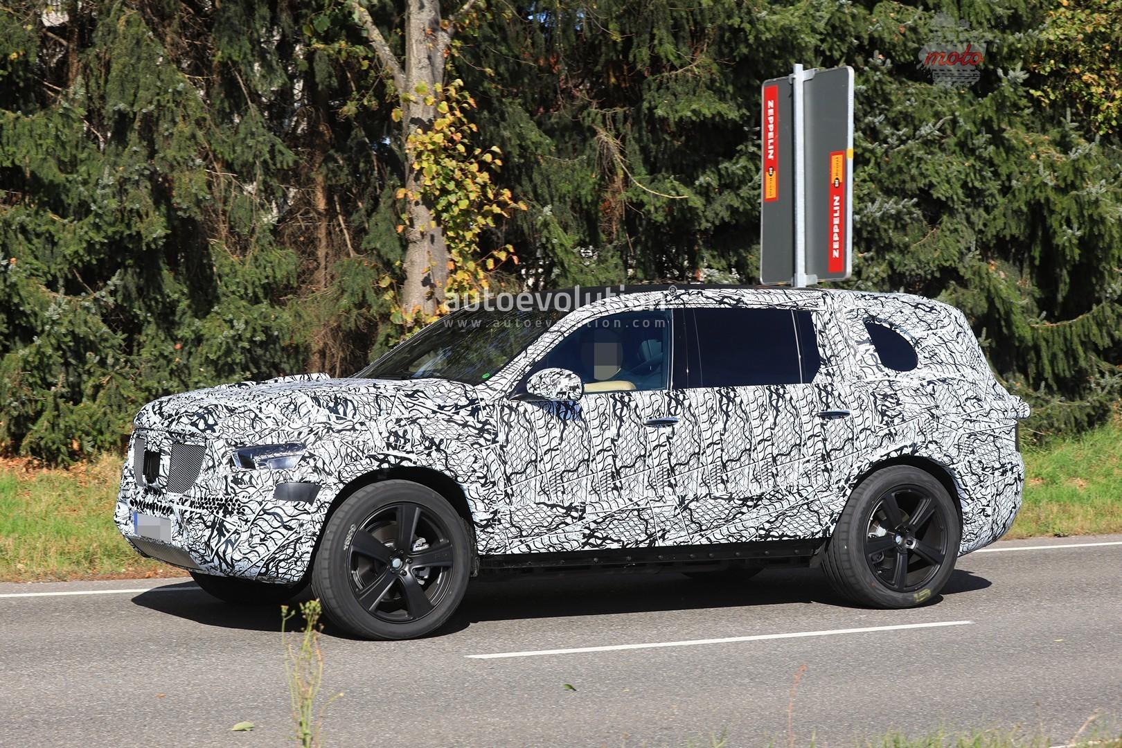2019 mercedes benz gls stands out in mercedes benz suv convoy 6 Nowy Mercedes GLS nadchodzi