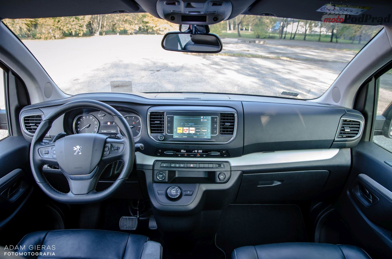 Peugeot Traveller 23 Test: Peugeot Traveller 2.0 BlueHDi Allure   na koniec świata i jeszcze dalej?