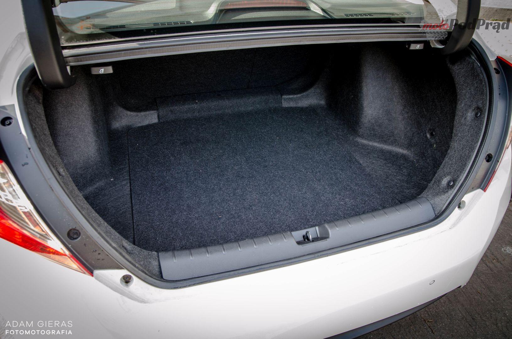 Civic bagażnik 37 Test: Honda Civic sedan 1.5 Turbo Elegance   reprezentacyjny kompakt