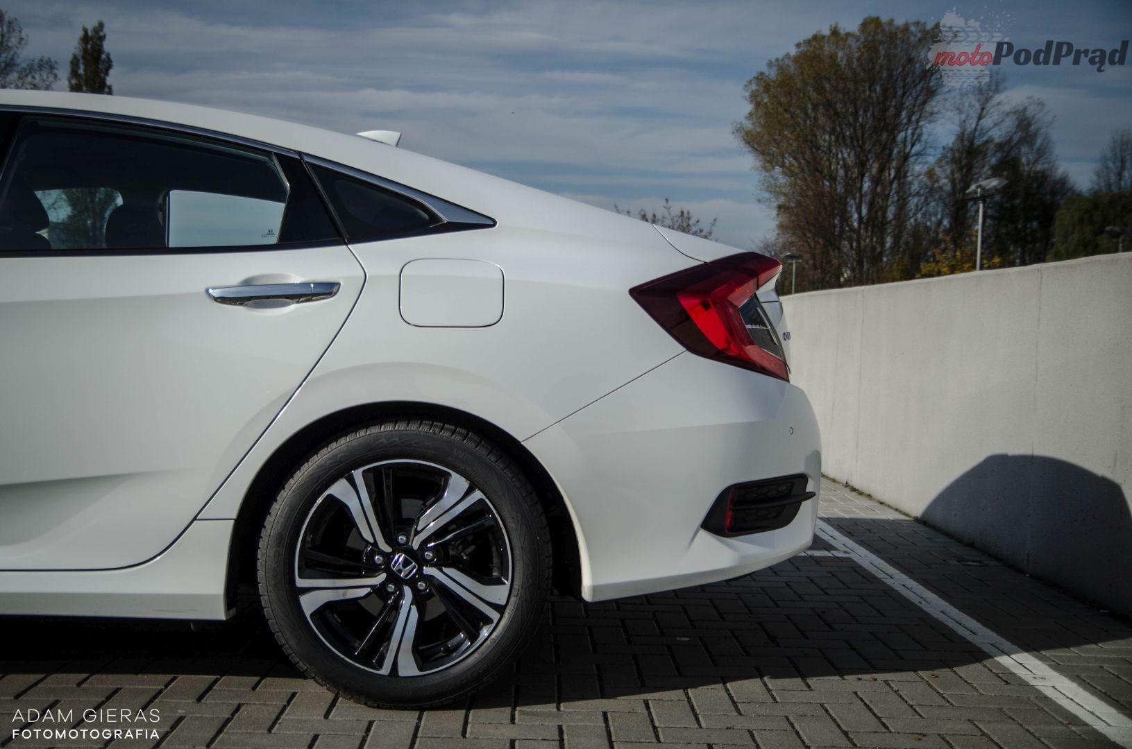 Honda Civic 13 Test: Honda Civic sedan 1.5 Turbo Elegance   reprezentacyjny kompakt