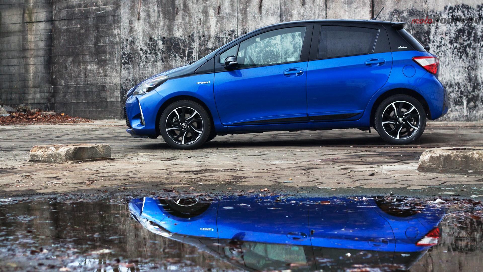 toyota yaris hybrydowa hybrid 2017 selection bok profil niebieski Test: Toyota Yaris Hybrid Selection   chłodna kalkulacja?