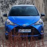 toyota yaris hybrydowa hybrid 2017 selection niebieski atrapa przód maska 150x150 Test: Toyota Yaris Hybrid Selection   chłodna kalkulacja?