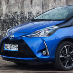 toyota yaris hybrydowa hybrid 2017 selection przód maska koło felga 150x150 Test: Toyota Yaris Hybrid Selection   chłodna kalkulacja?