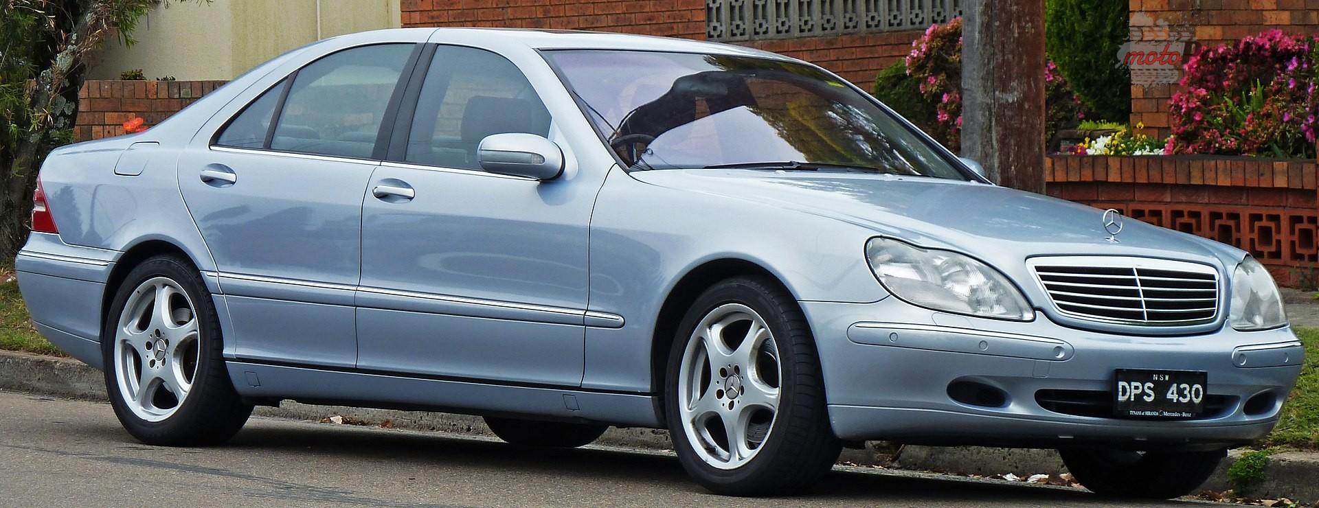 1920px 2001 Mercedes Benz S 430 W 220 sedan 2010 09 23 01 Piękni dwudziestoletni: modele, które kończą w tym roku 20 lat