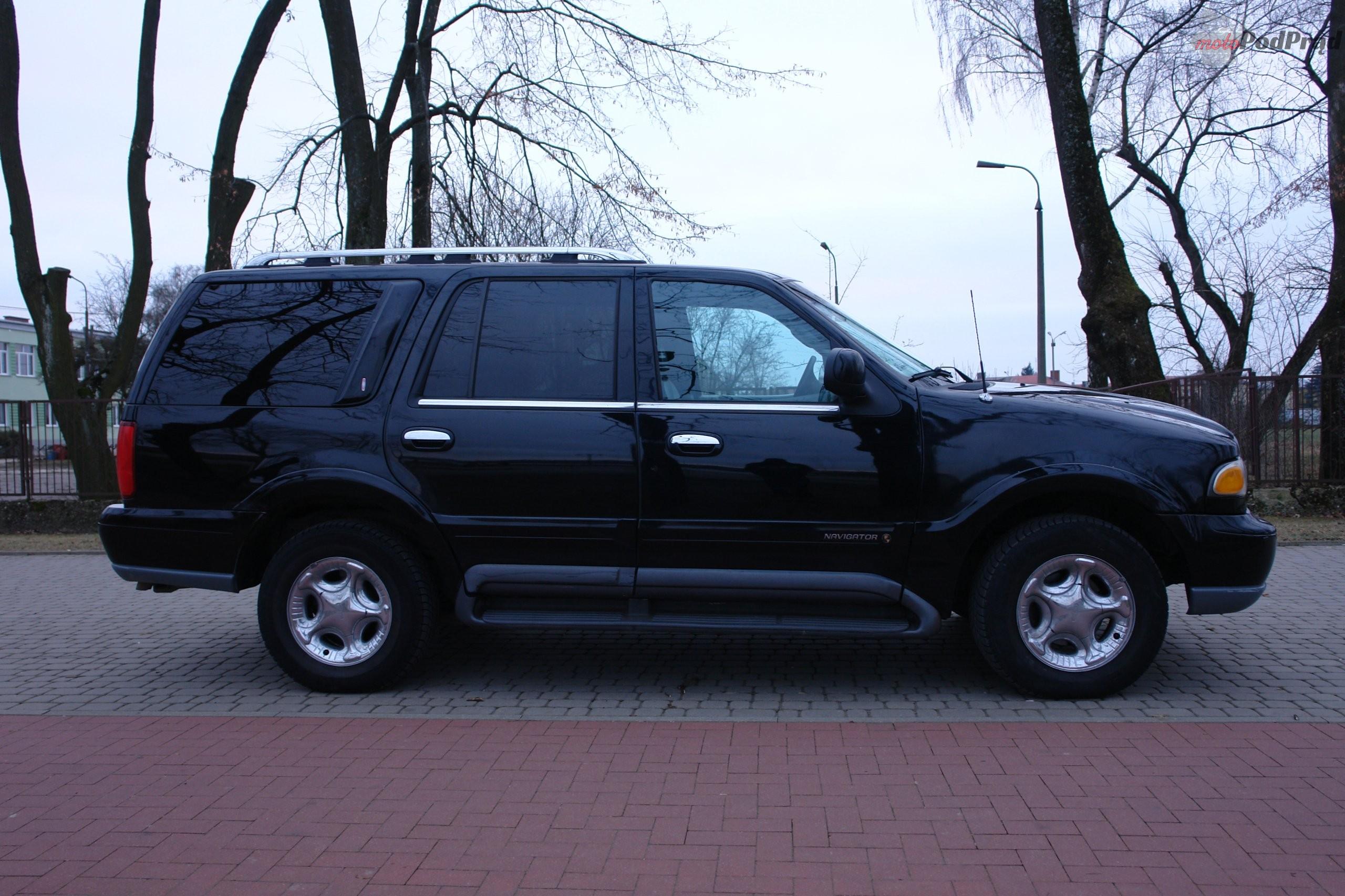 NAV1 Znalezione: Lincoln Navigator. Rodzinnie z V8.