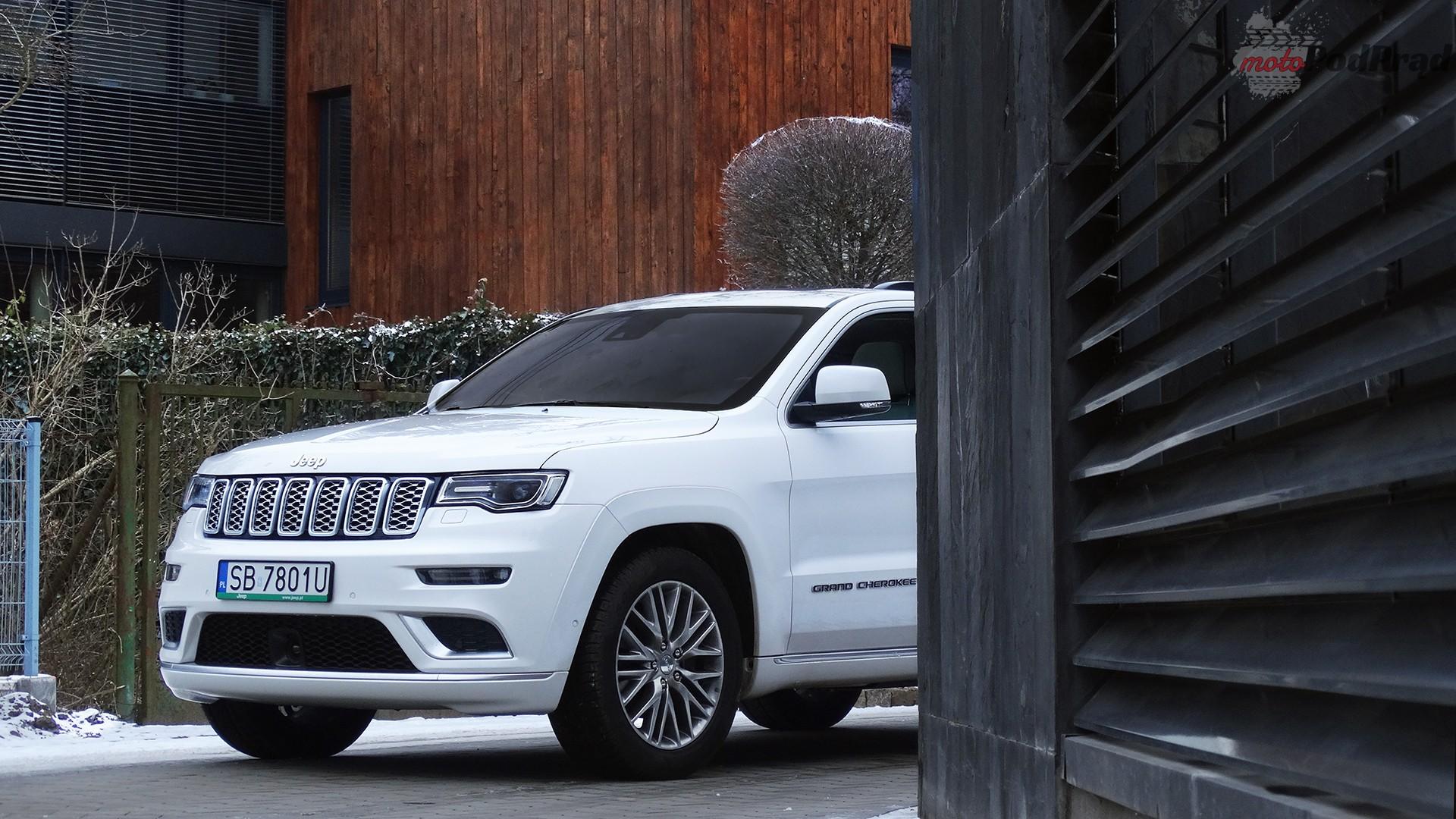 jeep grand cherokee 12 Porównanie: SsangYong Rexton G4 2.2d kontra Jeep Grand Cherokee 3.0 CRD