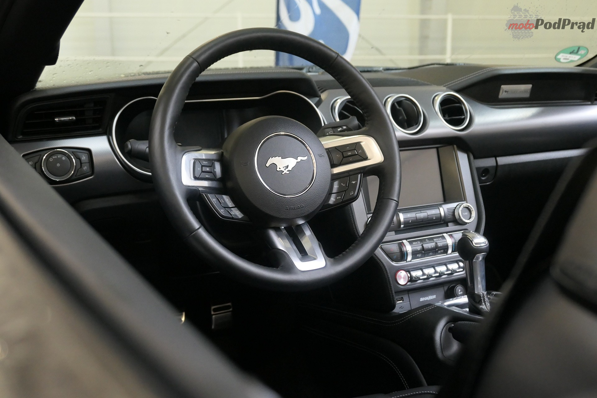 Ford Mustang 2018 41 Ford Mustang na Route 66