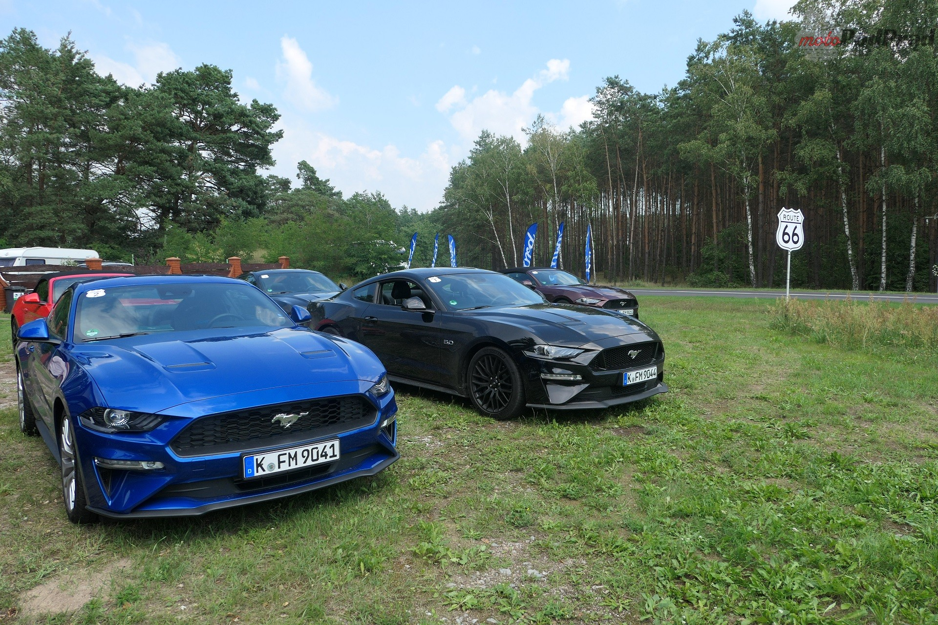 Ford Mustang 2018 43 Ford Mustang na Route 66