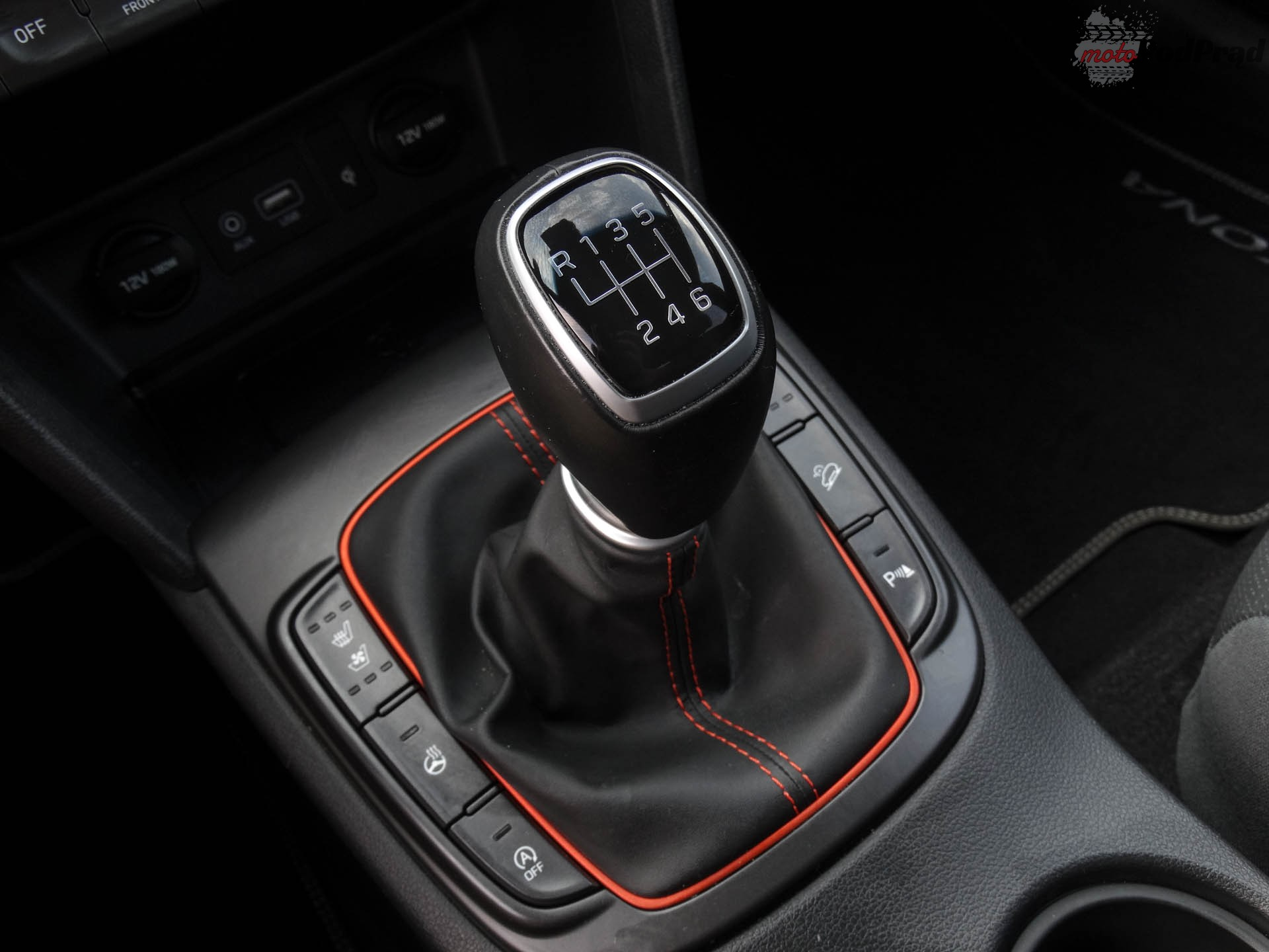 Hyundai Kona 16 Porównanie: Hyundai Kona 1.0 kontra Seat Arona 1.0