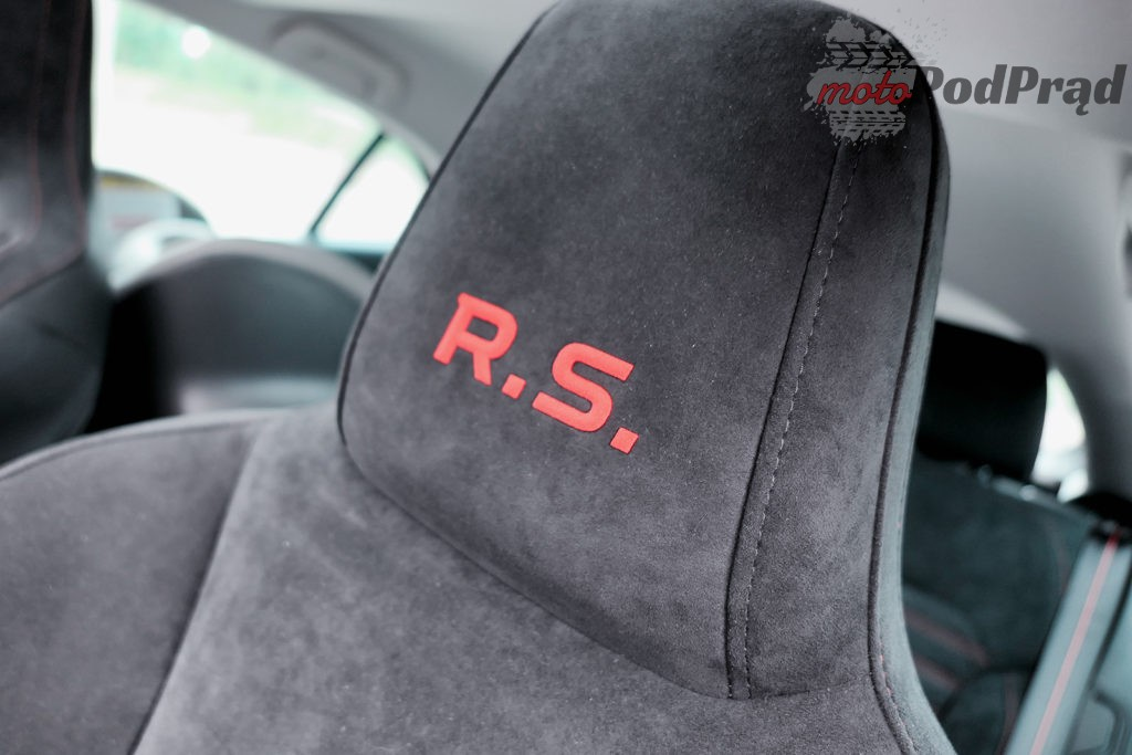 Renault Megane RS 40 1024x683 Test: Renault Megane RS Trophy   żółty i gorący