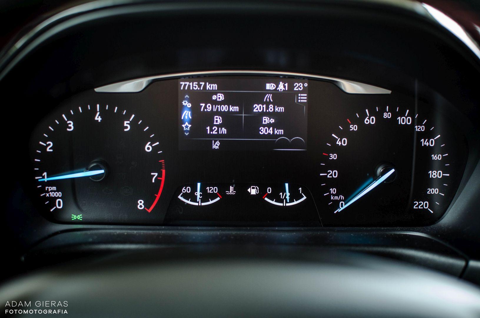 FIESTA ST 28 Test: Ford Fiesta 1.0 Ecoboost ST Line   zwinne cacuszko