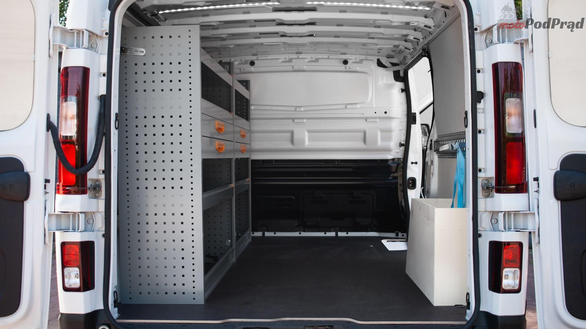 renault trafic 12 Test: Renault Trafic furgon z zabudową Renault Tech – mobilny serwis