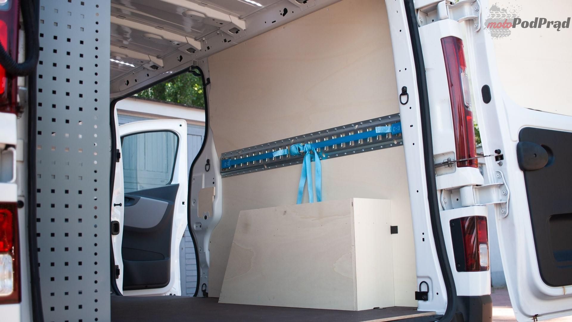 renault trafic 14 Test: Renault Trafic furgon z zabudową Renault Tech – mobilny serwis