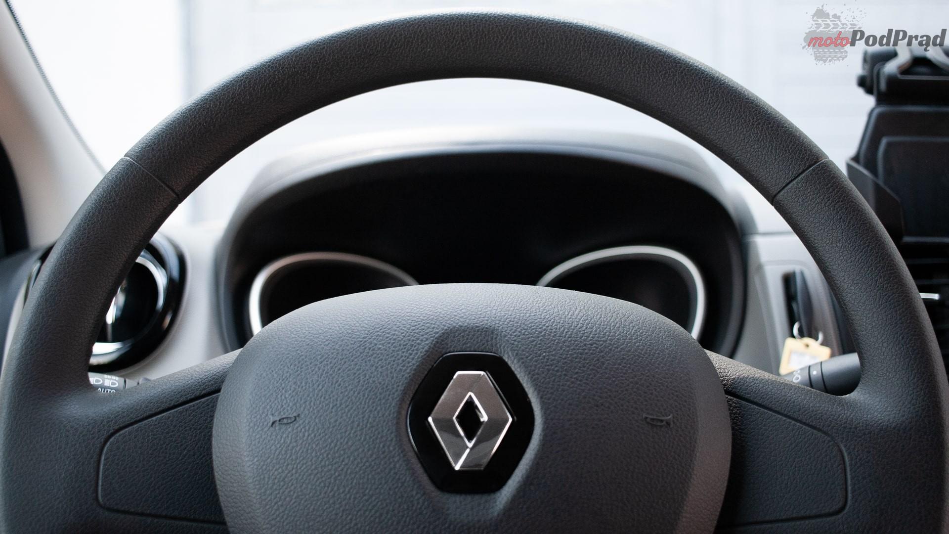 renault trafic 8 min Test: Renault Trafic furgon z zabudową Renault Tech – mobilny serwis