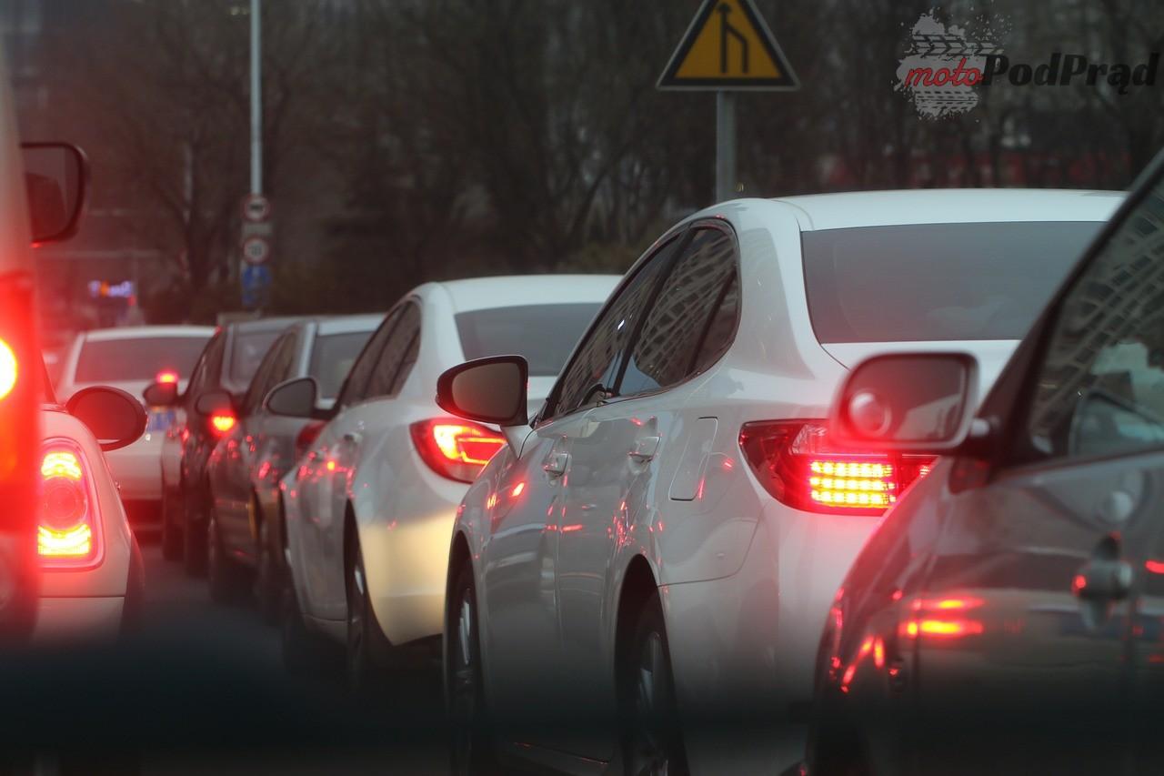 traffic jam 688566 1280 Do czego przydają się kamery samochodowe?